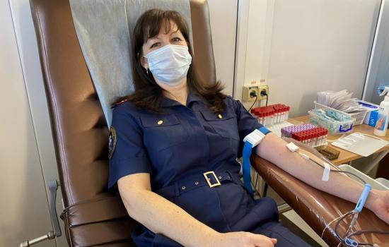 Офицеры Следственного комитета России из Симферополя приняли участие в акции по сдаче донорской крови